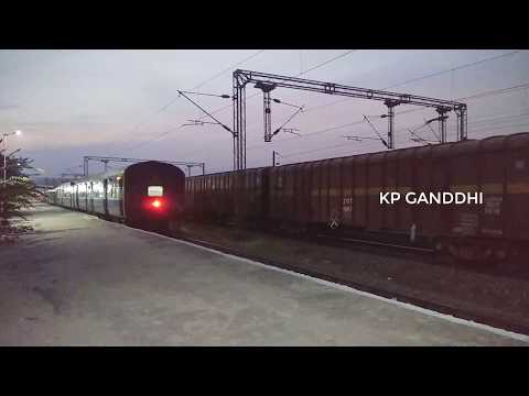 Ratnachal SF Express 12717 -Visakhapatnam/VSKP to Vijayawada Arriving at Nuzvid Railway Station..