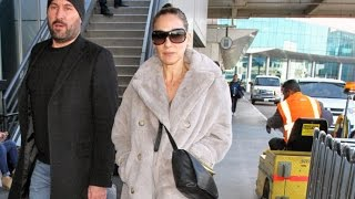 Sarah Jessica Parker Arrives In L.A. Amid Reports She Almost Sank 'Sex And The City 3'