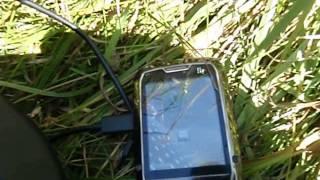 Как зарядить телефон без зарядки от батарейки АА и Солнца своими руками самодельное(, 2014-08-09T08:19:26.000Z)