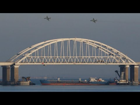 Protesters denounce Russia's seizure of three Ukrainian ships