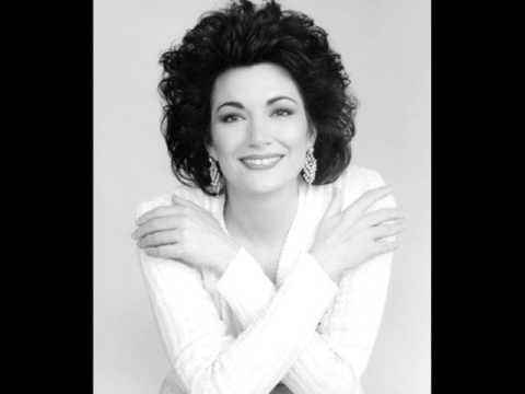 Norma -  Carol Vaness -Sediziose voci - Casta diva