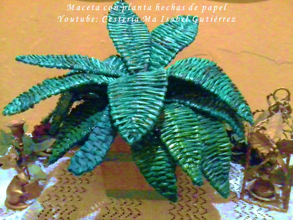 Maceta con planta hecha de papel y cart n diy youtube for How to make recycled paper crafts