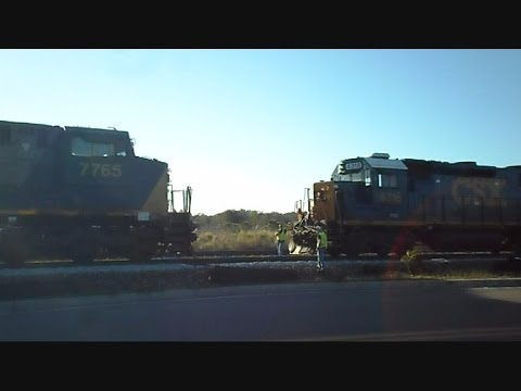 CSX Power Move Locomotives Hook Up In Sets To Move Train