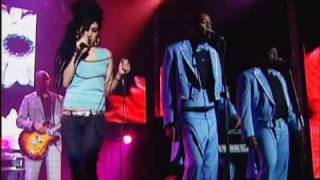 Amy Winehouse - Me & Mr Jones (Live - AOL)