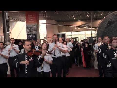 Классический флэшмоб. Оркестр + Хор. США, Вашингтон, Смитсо́новский институт