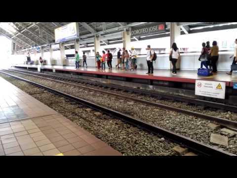 LRT-1 1G train arriving Doroteo Jose Station.