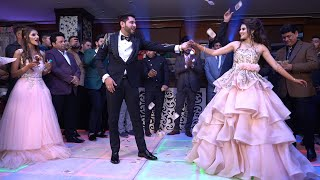 AMAZING COUPLE \u0026 FAMILY BOLLYWOOD DANCE || INDIAN WEDDING BEST CHOREOGRAPHY || 2020