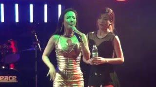 나이트 클럽 공연중  즉석 신청곡