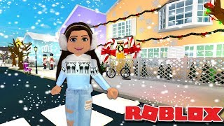 GOING TO PHOEBERRY'S BERRY TOWN sur Bloxburg ( Roblox