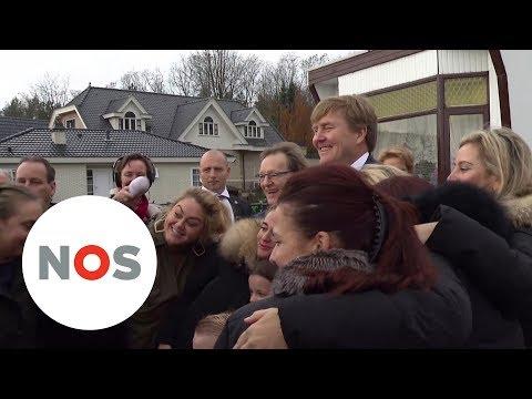 WOONWAGENKAMP: Koning brengt verrassingsbezoek aan dit kamp in Zeist
