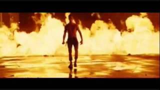 Charlie's Angels: Full Throttle (2003) - Pain