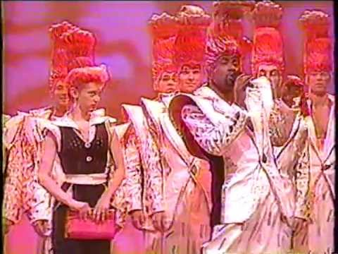 Broadway Cast of GREASE sings BEAUTY SCHOOL DROPOUT - THE TONIGHT SHOW 1994