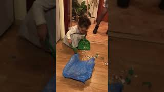 CUTE LITTLE GIRL CLEANING THE HOUSE FUNNY VIDEO FOR KIDS KIDS PRETEND PLAY