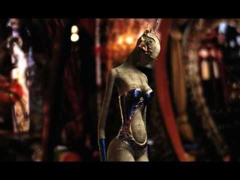 Клип Пикник - Кукла с человеческим лицом