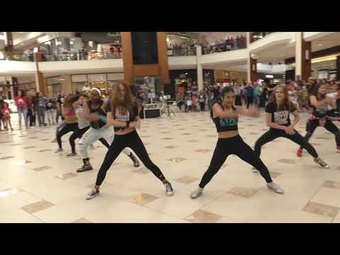 BEST FLASH MOB EVER!