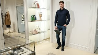 Total-look от Corneliani: свитер, джинсы, туфли, клатч