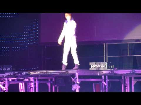 (HD) Justin Bieber Bigger Vancouver High Quality