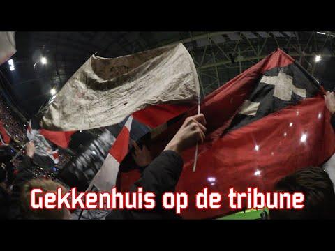 Gekkenhuis op de tribune (Ajax - Legia Warschau)