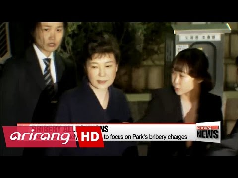 Prosecutors to question arrested ex-president Park Geun-hye on Tuesday