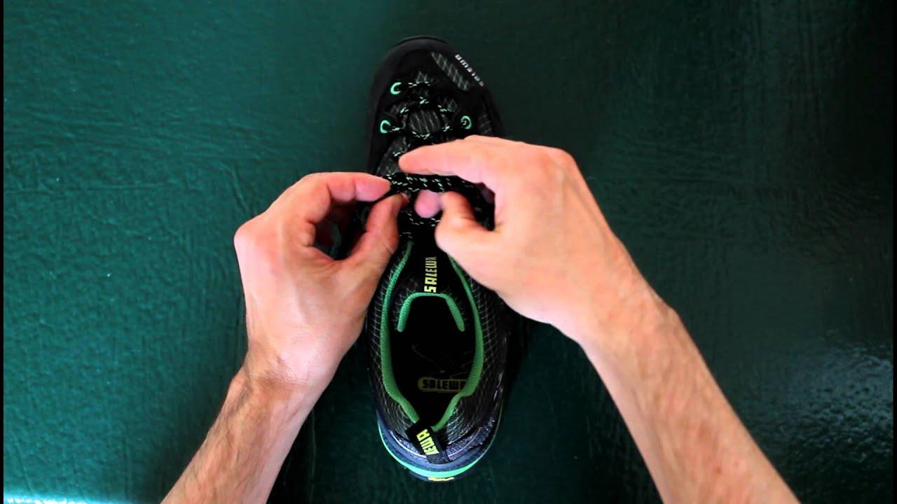 Как надежно завязать шнурки? - YouTube