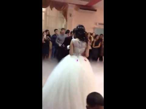 Медленный танец на свадьбе жениха и невесты видео
