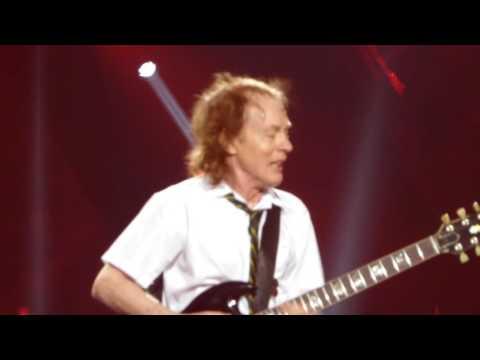 AC/DC feat Axl Rose – If You Want Blood You Got It  Sep 2 2016 Atlanta