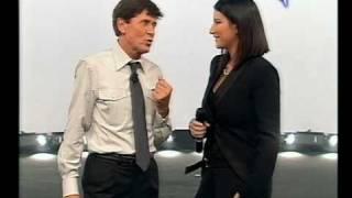 Gianni Morandi & Laura Pausini duettano Tra Te E Il Mare e Uno Su Mille - GRAZIE A TUTTI 29/11/2009