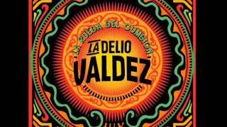 Video LA DELIO VALDEZ - Negra, Ron y Velas download MP3, 3GP, MP4, WEBM, AVI, FLV Juni 2018