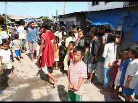 White Christmas For Zamboanga's Poor