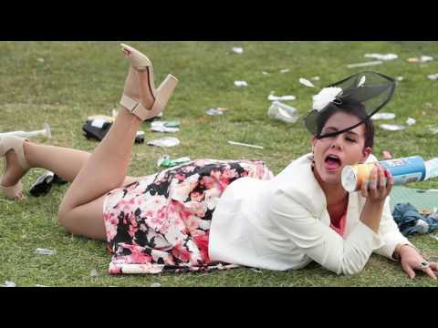 Fashion on the pavement - 2016 Melbourne Cup