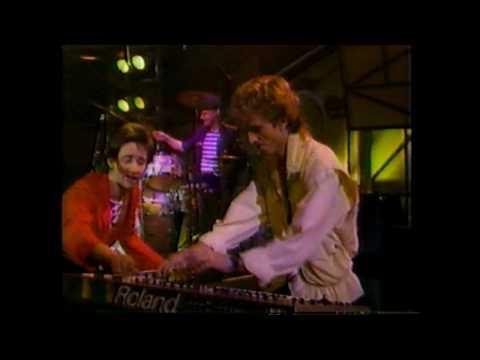 Hollies - Carrie Anne (Live, 1984)