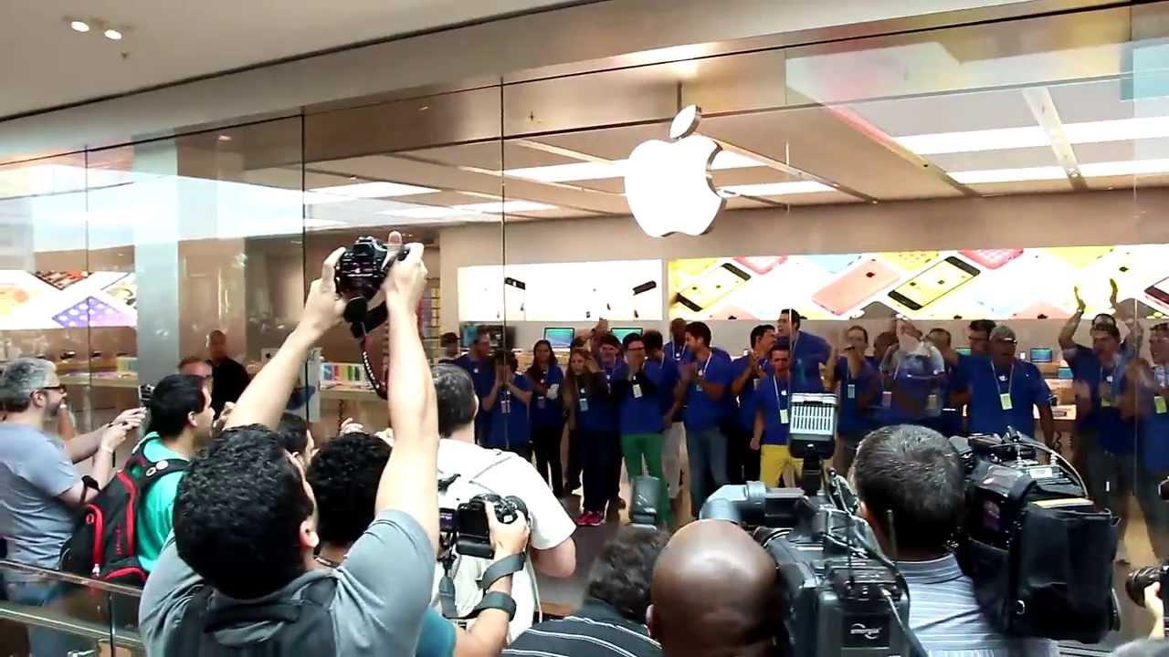 Conheça a primeira Apple Store no Brasil: Village Mall [ENG SUBS]