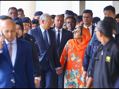 Najib, Rosmah thank supporters as they leave KL court