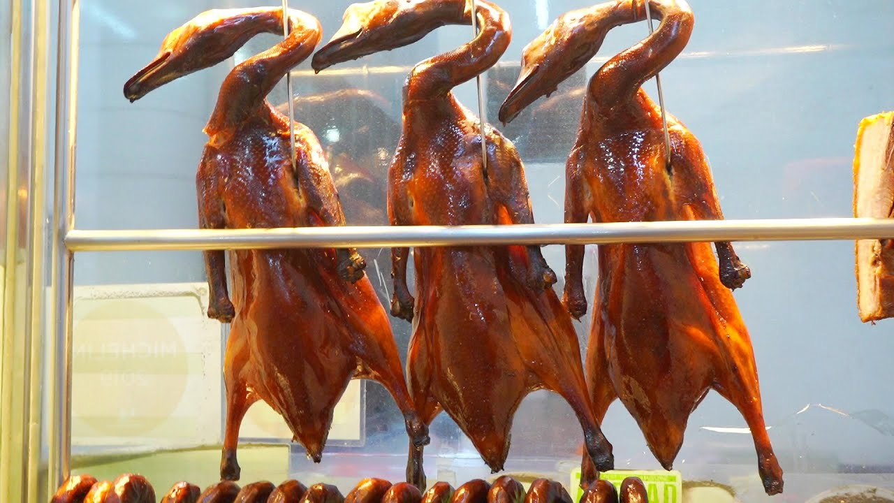 Yat Lok Roasted Goose has been awarded one Michelin star for 6 consecutive years.