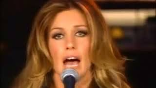 Faith Hill sings I surrender all on The Oprah Winfrey Show