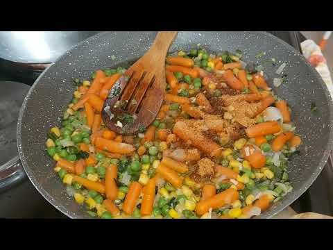 recette-de-viande-hachée-aux-légumes-accompagné-du-riz