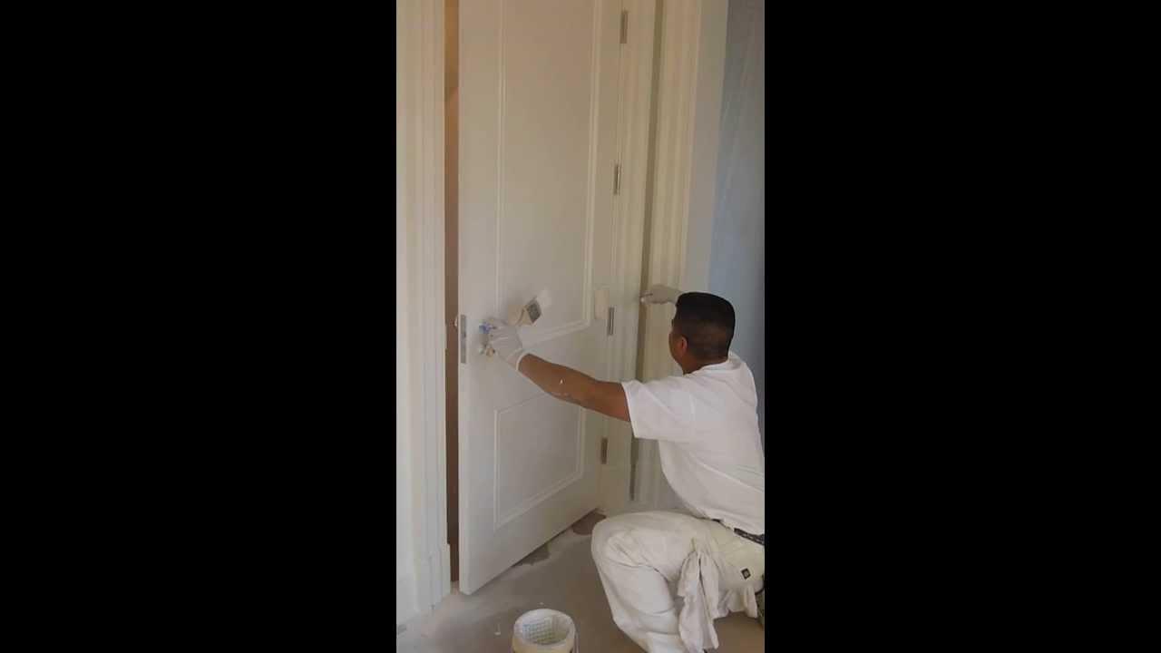 Como pintar una puerta en base de aceite youtube for Como pintar una puerta