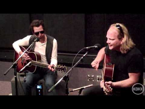 "Alejandro Escovedo ""Down in the Bowery"" Live at KDHX 6-5-11"