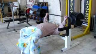 Баба Дуня, жим штанги лежа 250 кг