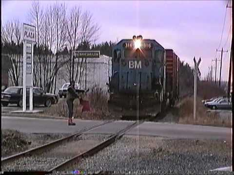 B&M blue #316 works the branch in Salem,NH on 03/25/1991