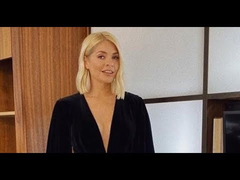 Holly Willoughby Stuns Fans In Cleavage-bearing Minidress Ahead Of TV Appearance  - News