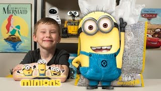 HUGE Minions Surprise Present Despicable Me Surprise Eggs Super Hero Toys for Boys Kinder Playtime