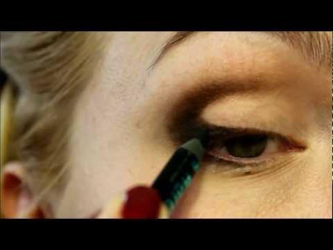 Как сделать готический макияж