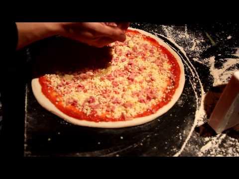 Пицца реджина с ветчиной грибами и сыром Иван Голубев