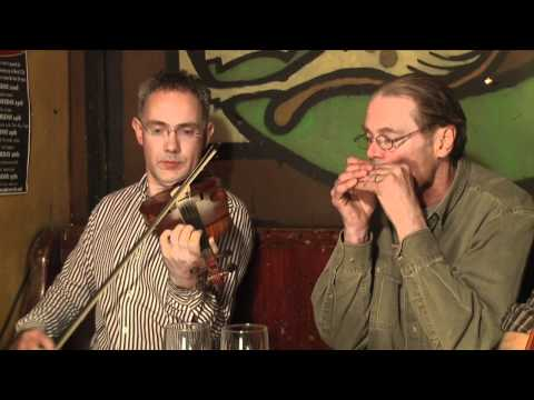 Traditional Irish Music from LiveTrad.com: Shoot The Crows Clip 1