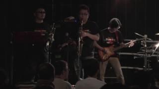 プロレステーマ曲専門バンド「Monkey Flip」のライブ映像です。 ハンセ...