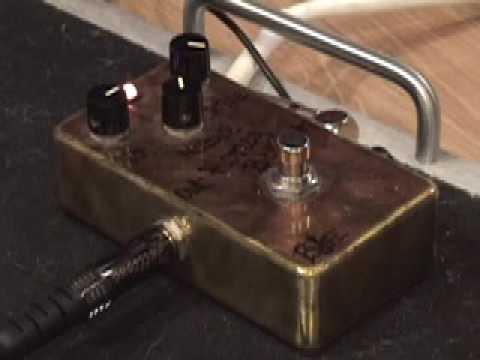 bjfe honey bee guitar effects pedal demo w kingbee tele fender blues jr amp youtube. Black Bedroom Furniture Sets. Home Design Ideas