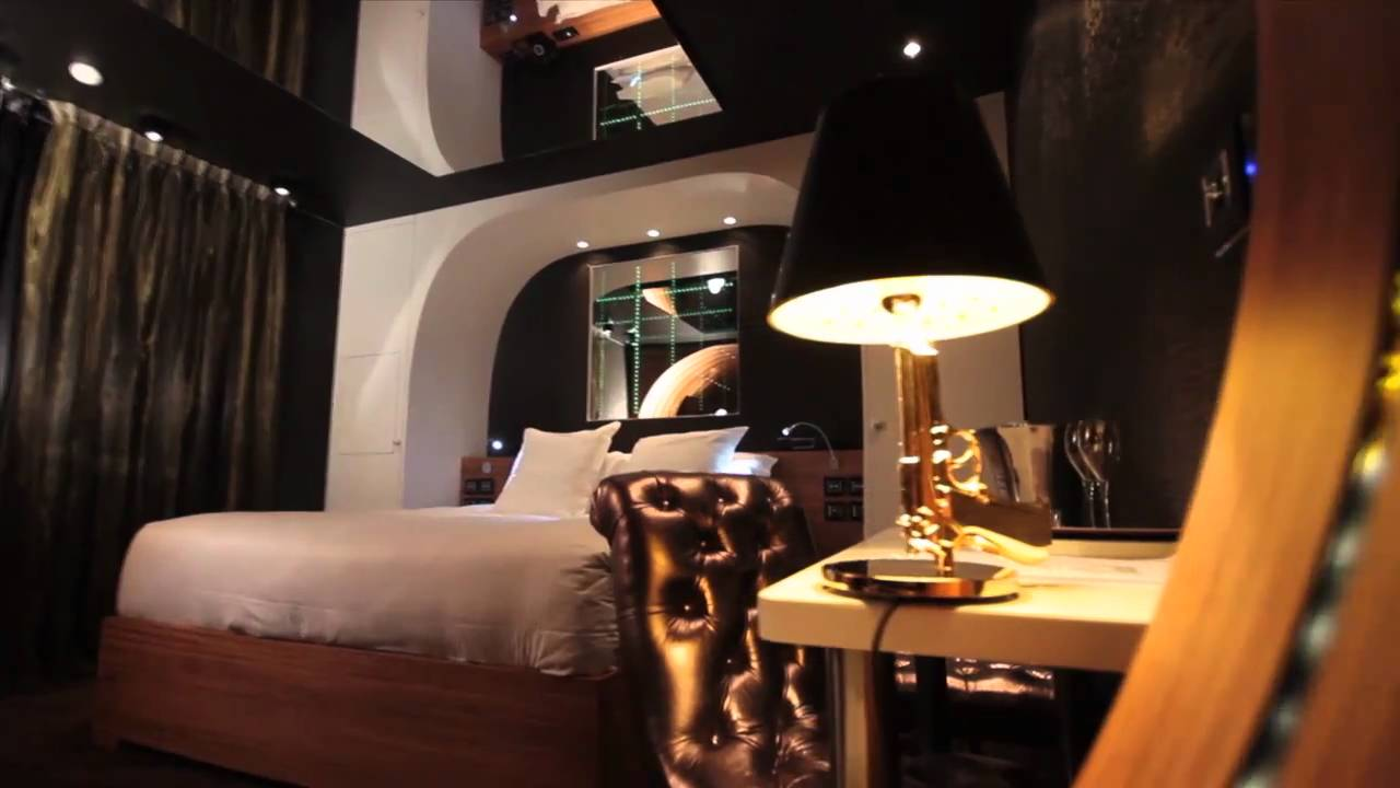 seven hotel suite 007 youtube. Black Bedroom Furniture Sets. Home Design Ideas