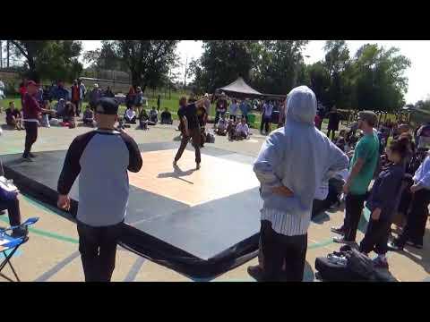 Chola Thalia and Bacardi dancing at Parks N' Wreck (MAH01604)