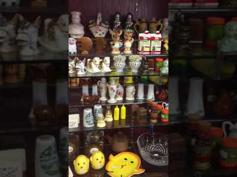 SALT N PEPPER SHAKERS & OTHER GLASSWARE COLLECTIBLES - WEST SAINT PAUL ANTIQUE MALL